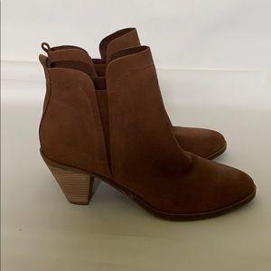 Women's lucky brand rust suede booties size 9.5
